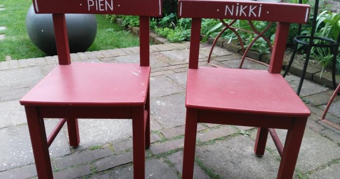 Prikbord advertentie gratis 2 kleuterstoeltjes for Te koop nijmegen oost