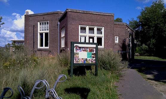 Lions Club Nijmegen reikt trofee uit aan De Kentering in Oost