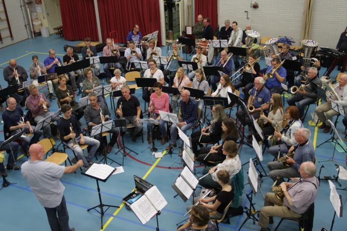 Het samengestelde orkest tijdens één van de repetities. Foto: Marcel Vink.